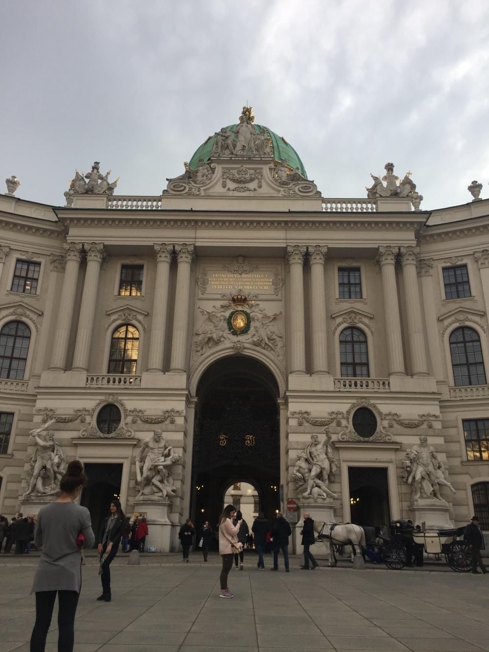v2-city-tour