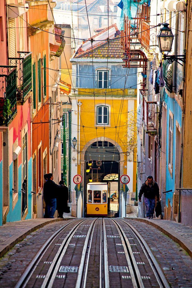 feac933cde98752c79c9eed1d8aa2dff--trolley-lisboa-portugal-lisbon